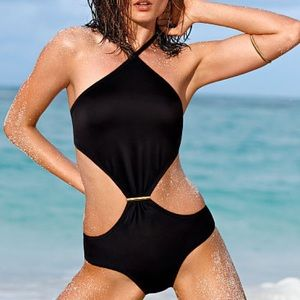 🆕Victoria's Secret sexy black monokini.